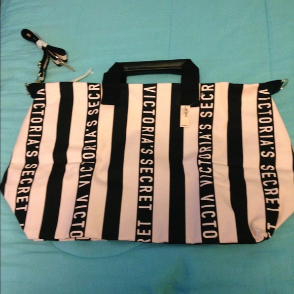 Victoria's Secret Handbags - VS Weekender Bag